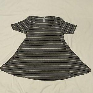 LuLaRoe Perfect T Shirt - XXS